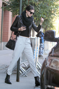 Kendall-Jenner-Street-Style-in-NY--07